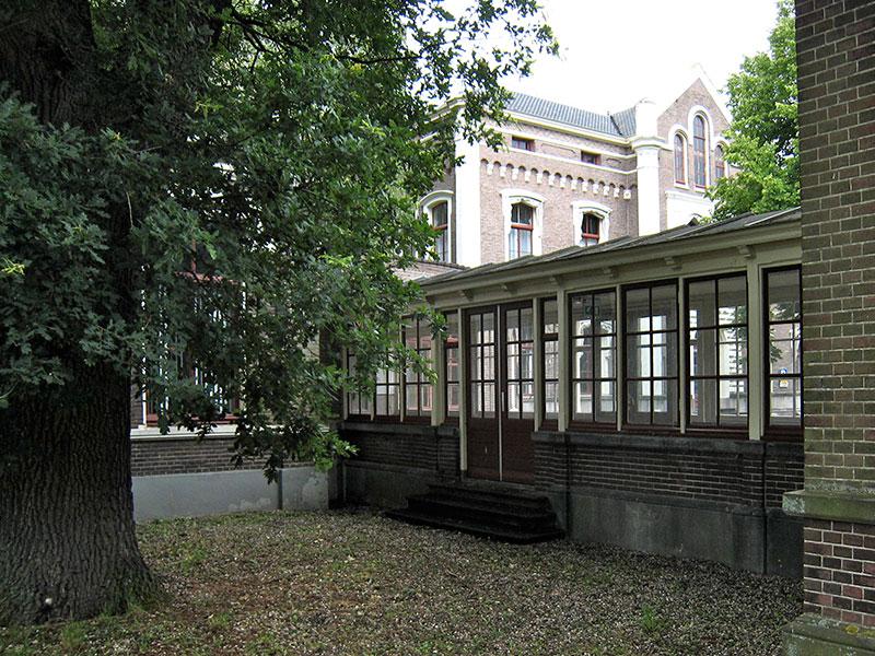 Militair hospital voorkant